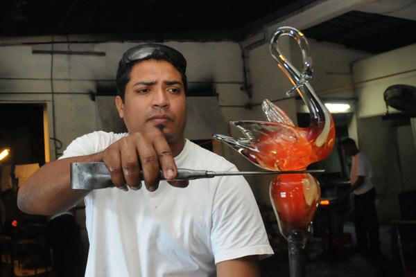 Mauritius Glass Gallery- Handmade Swan