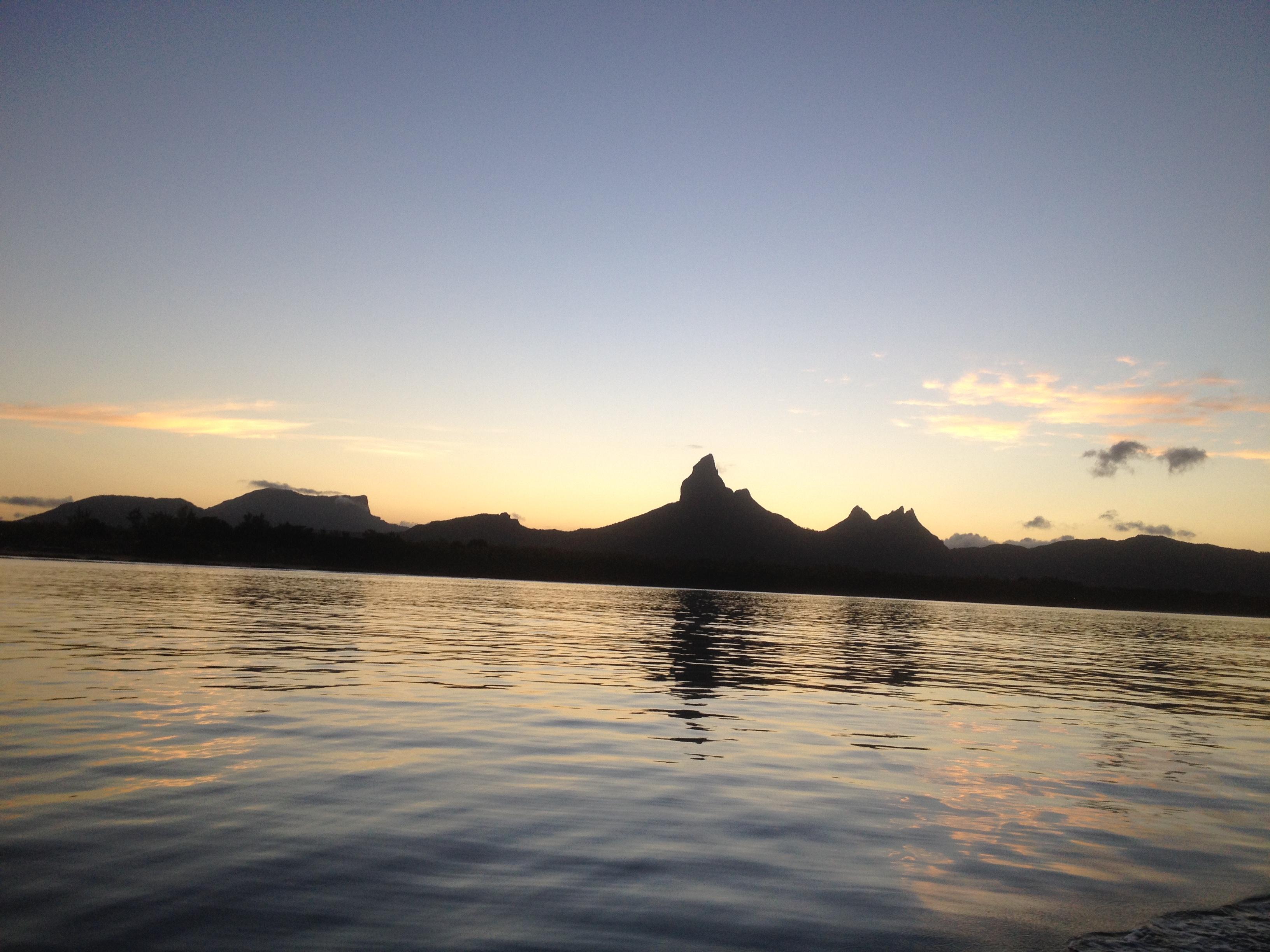 ile-maurice-excursions-bateau-prive-caro-des-iles-tamarin-nager-avec-les-dauphins-ile-maurice-apnee-prive-gopro-voyage-vacances-3