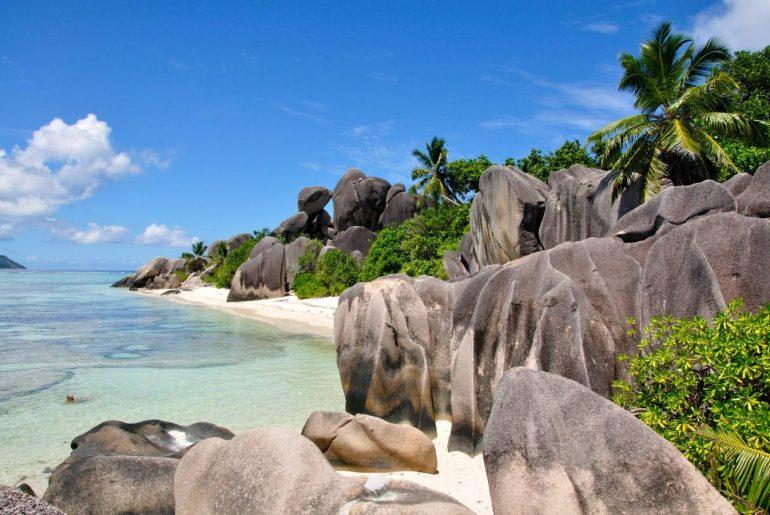Seychelles-Granite-blocks