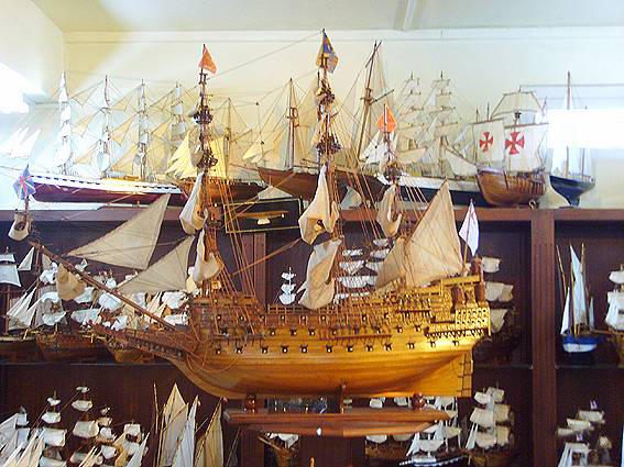 Le Port Ship Model