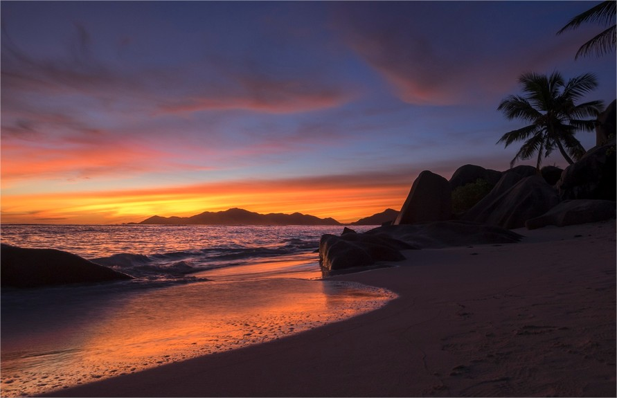 Sunset-beach-seychelles