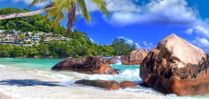 - Seychelles beach Mahé