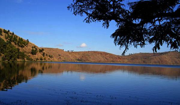 Lake Andraikiba- Madagascar