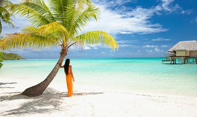 Maldives-lagoon-beach