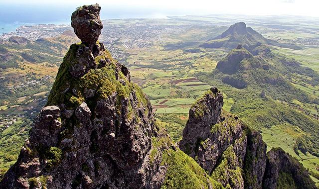 Pieter-both-view-Mauritius