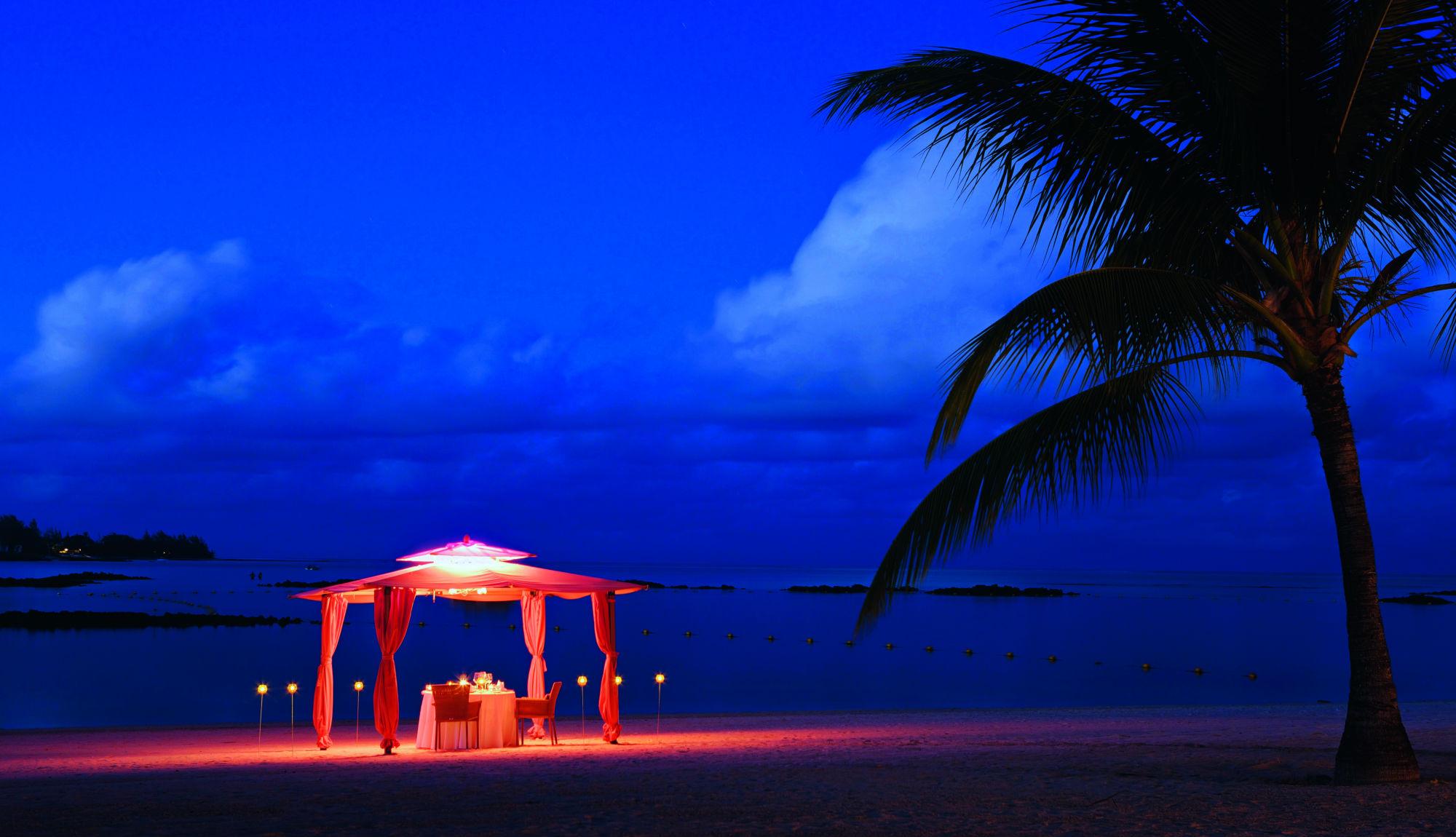 beach dinner Mauritius