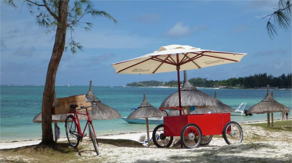 beach snack mauritius
