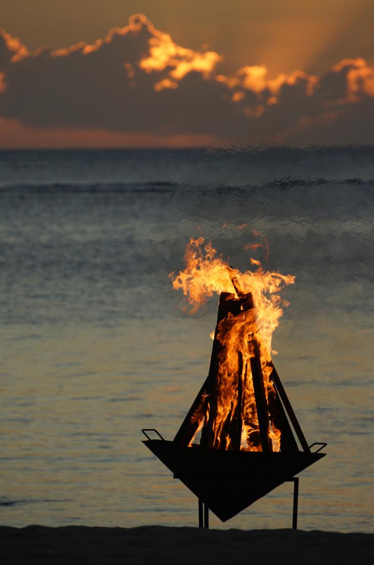 camp fire beach mauritius