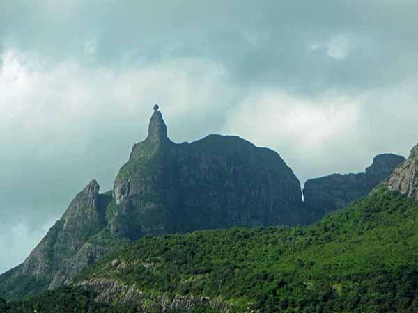 mauritius hiking mountain