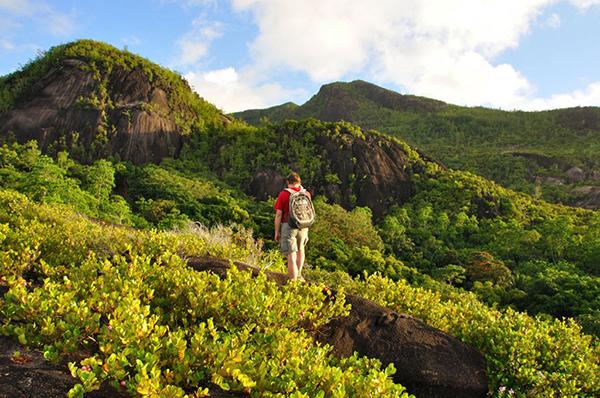 hiking in seychelles