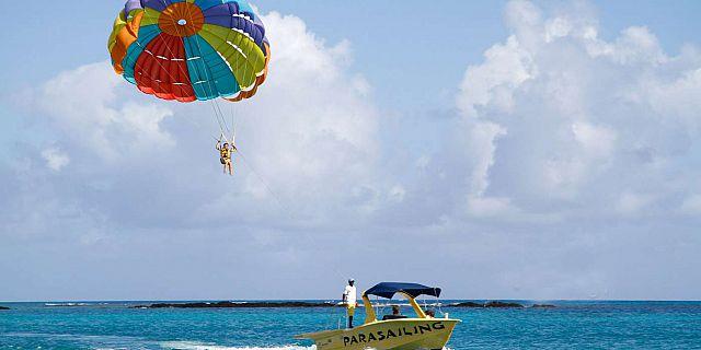 parasailing mauritius