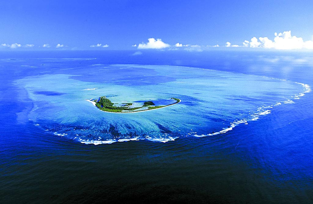 Seychelles-Alphonse-Fishing-