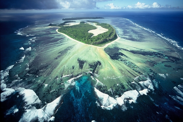 poivre-coral-atoll-seychelles--