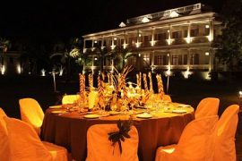 La table du chateau at Night