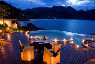 4 star hotel- Le Domaine de La Reserve- Seychelles- Dining
