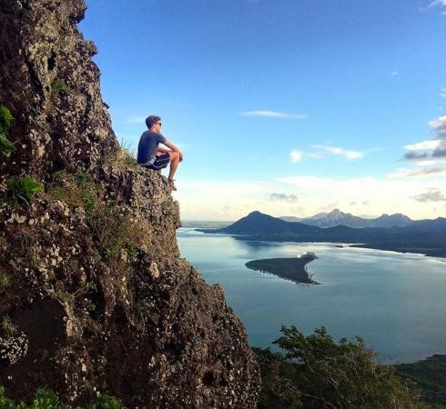 le morne mountain climbing