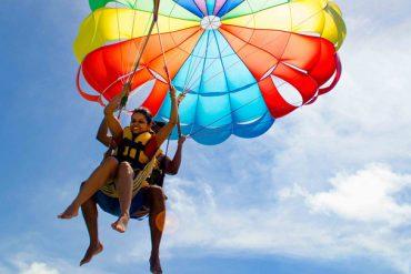 parasailing-at-ile-aux-cerfs (2)